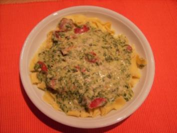 Nudeln mit pikanter Spinatsoße - Rezept