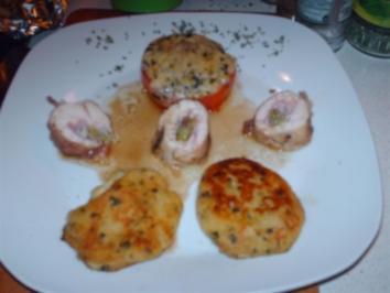 Gefüllte Hühnerbrust (Schinken, Mozarella, Lauch) mit Kartoffel-Schnittlauchtatscherl und überbackenen Paradeiser - Rezept