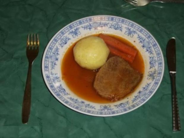 Rindfleisch in Brot-Kwas geschmort mit Gemüse - Rezept