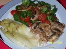 Glasierter Chicoree und Hähnchenbrust mit Champignons - Rezept