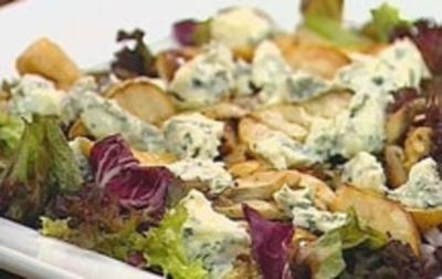 Salat von Birnen und Steinpilzen mit Gorgonzola - Rezept