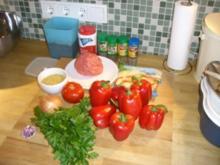 gefüllte Paprika in Tomatensoße - Rezept