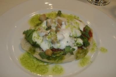 Pitta mit Rucola Tomaten und Parmesanschaum - Rezept