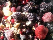 Obstquark mit Cornflakes und Nüsse - Rezept