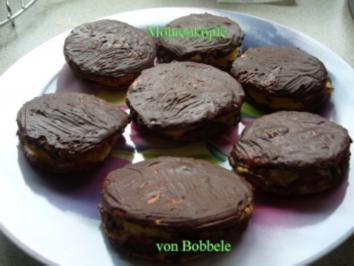 Gebäck: Mohrenköpfe mit Pudding gefüllt - Rezept