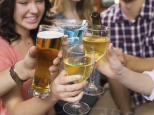 Alkoholkonsum bringt Katerstimmung mit sich - Tip