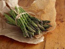 Grünen Spargel kochen – senkrecht ist besser - Tip
