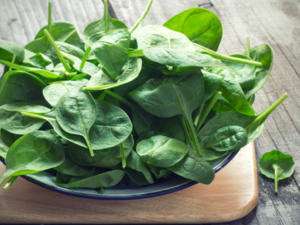 Spinat aufwärmen – so geht's risikofrei - Tip