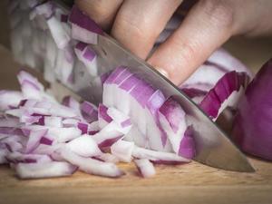 Zwiebeln schneiden ohne Tränen - Tip