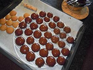 Schokoglasur für kleine Lebkuchen od. ähnliches - Tip