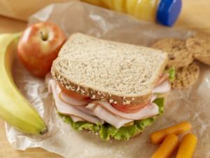 Energie tanken mit einer gesunden Zwischenmahlzeit: Was eignet sich als Pausenbrot? - Tip