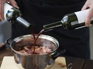 Speisen mit Umdrehungen: Welcher Alkohol sich zum Kochen eignet - Tip