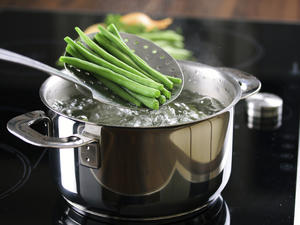 Gemüse und sogar Früchte knackig blanchieren – aber wie lange? - Tip