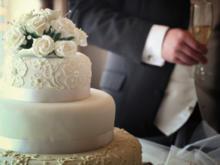 Gestalten Sie eine traumhafte Hochzeitstorte mit Deko selbst - Tip