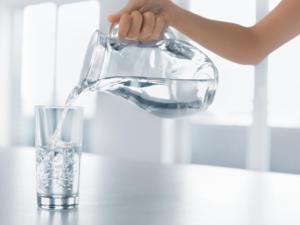 Warum es gesund ist, warmes Wasser zu trinken - Tip