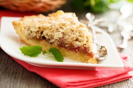 Rhabarberkuchen mit Streuseln: ein Gedicht zum Sonntagskaffee - Tip