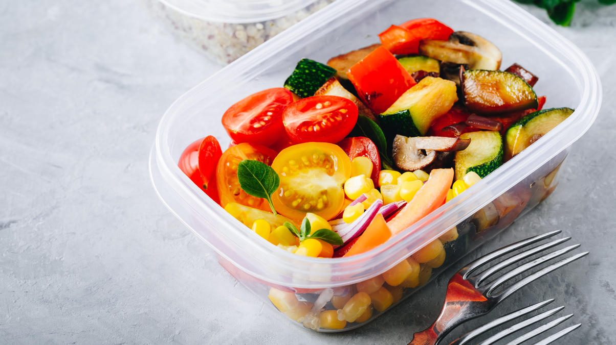 Meal-Prep-Wochenplan in der Vorbereitung