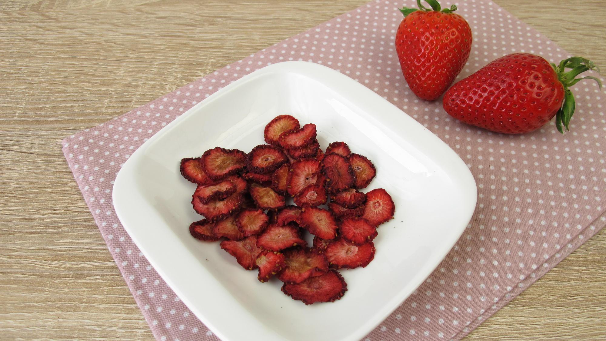 selbstgemachte Erdbeerchips