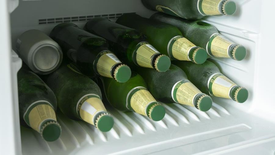Bierflaschen im Kühlschrank