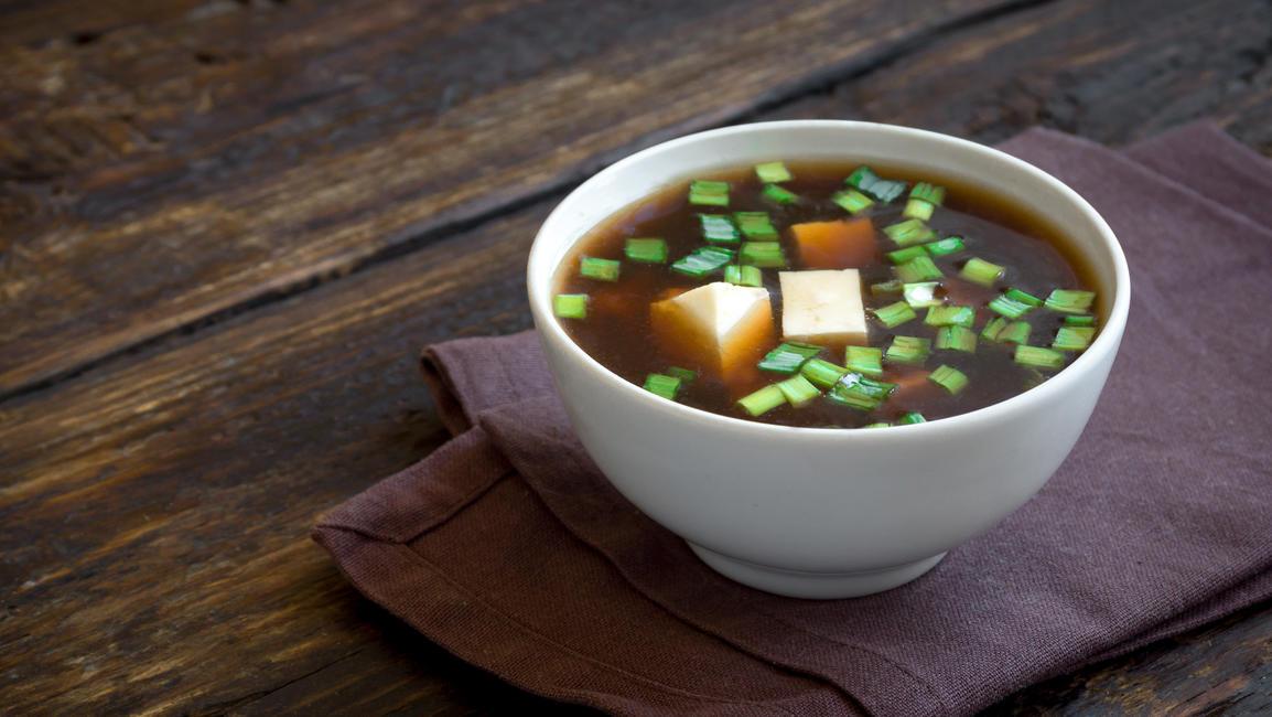 Beliebt nicht nur in Japan: Miso-Suppe mit Seidentofu-Einlage