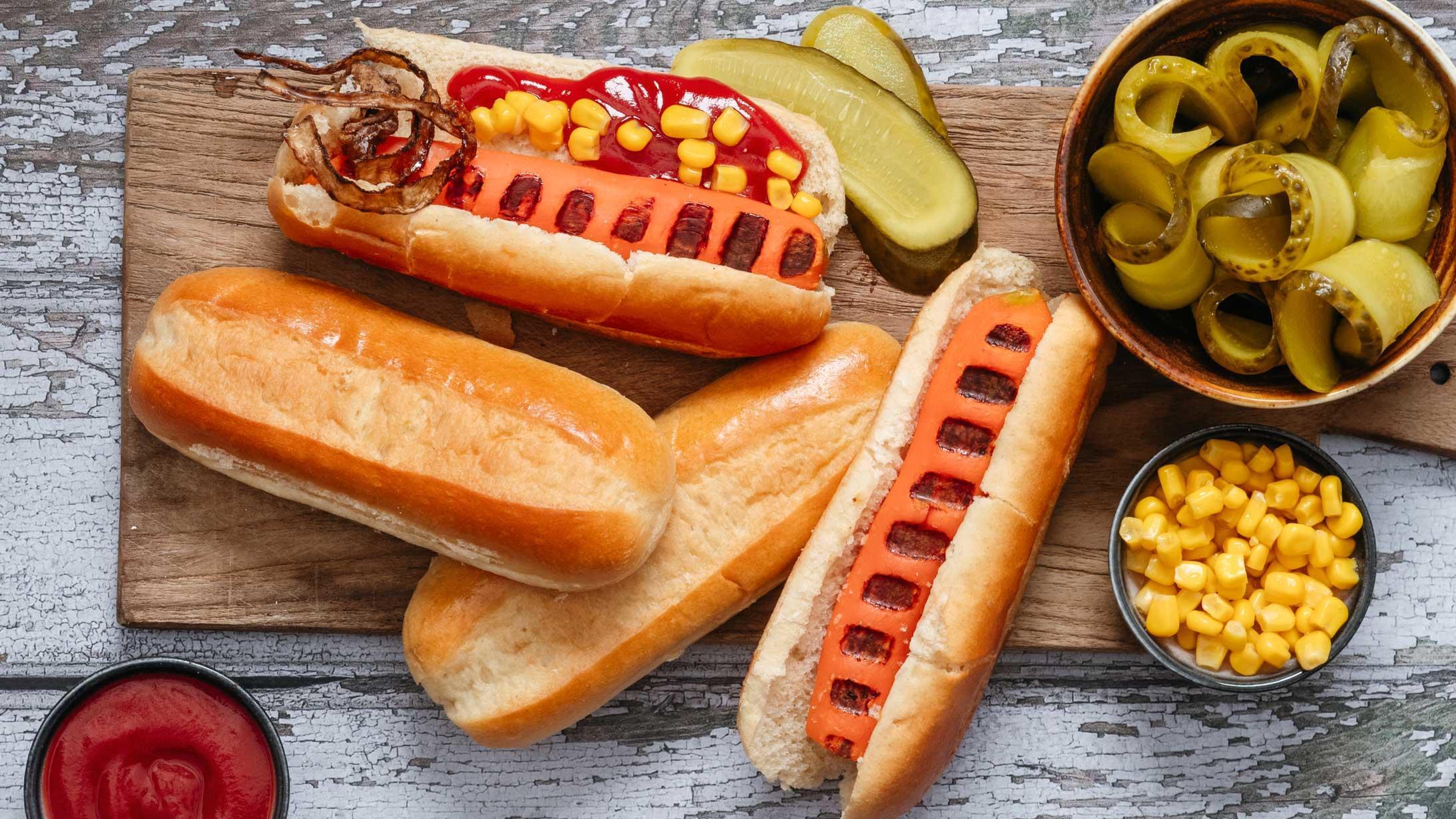 Vegetarische Hotdogs mit Möhren