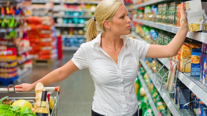 Zutatenliste auf Lebensmittelverpackung: Das bedeutet das Kleingedruckte