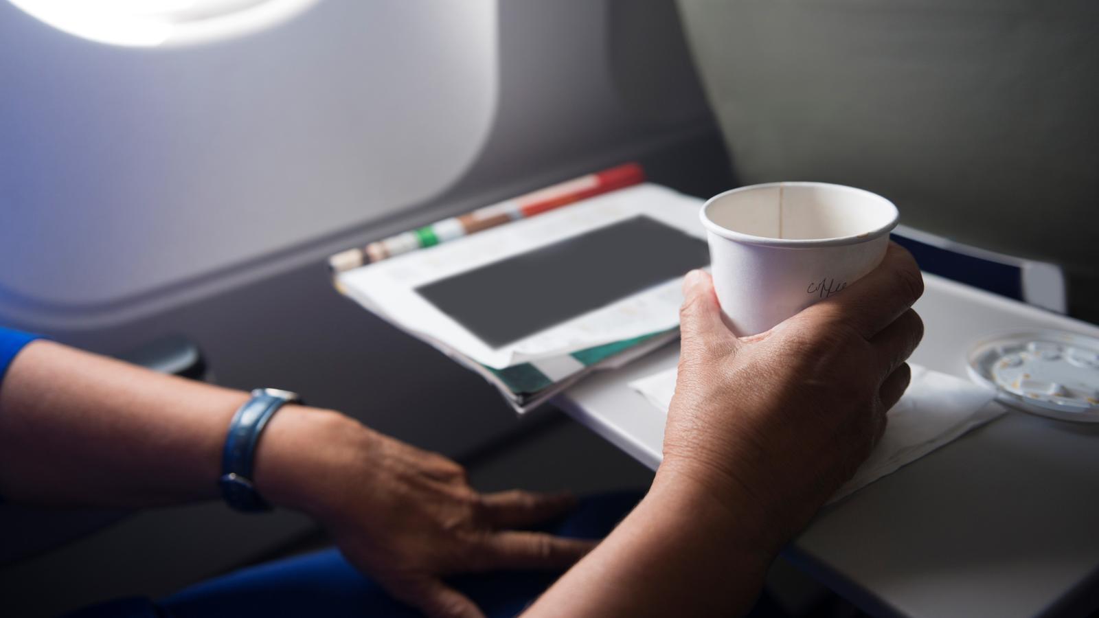 Kaffee im Flugzeug