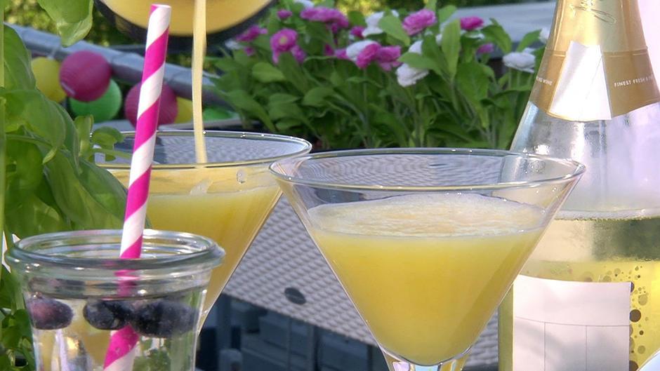 Schnelle Cocktails aus Eis am Stiel