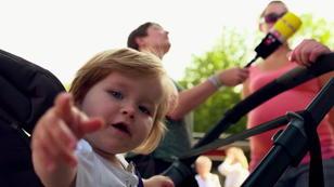 So schützen Sie Ihr Kind vor der Hitze im Kinderwagen