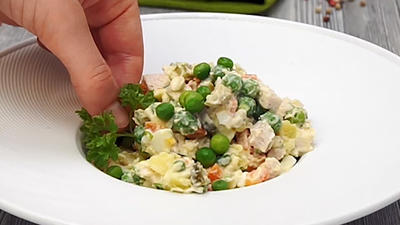 Rezept: Salat Olivier - russischer Kartoffelsalat