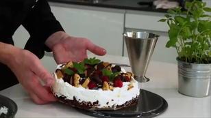 Smacks-Torte mit Beeren ohne Backen