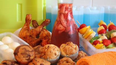 Rezept: Lunchbox-Rezepte: Pizza- und Marmormuffins, Hähnchenschenkel und kalter Erdbeertee