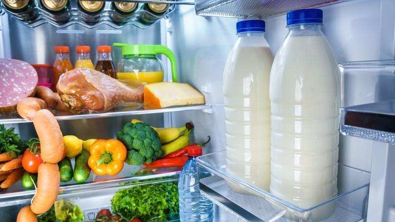 Mini Kühlschrank Für Milchtüte : Darum sollten sie milch nie in der kühlschranktür lagern kochbar.de