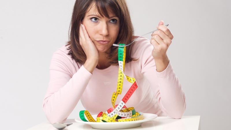 Übergewicht durch Stress: Warum fällt uns das Abnehmen so