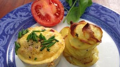 Rezept: Käse-Senf-Herzchen, Hähnchen in Senf-Marinade und Salat mit Senf-Dressing
