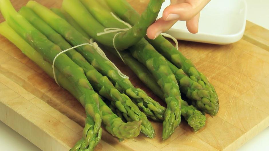 wie lange muss grüner spargel kochen