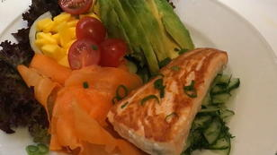 #Ernährung Rezept 5: Lachs auf Salat