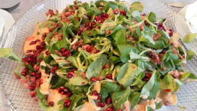 Rezept: Einfaches Weihnachtsmenü: Feldsalat, Rinderfilet mit Rosmarinkartoffeln und Rote-Grütze