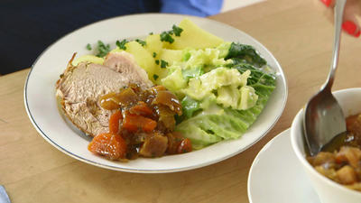 Rezept: Sonntagsbraten mit Salzkartoffeln und Wirsing