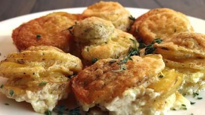 Rezept: Mini Knoblauch-Parmesan-Kartoffelpuffer